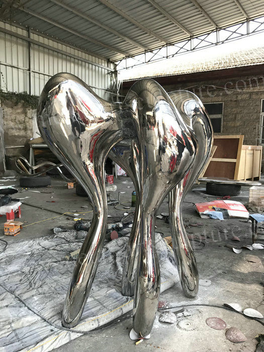 Polished Stainless Steel Outdoor Sculpture Metal Abstract Sculptures Teeth Shape
