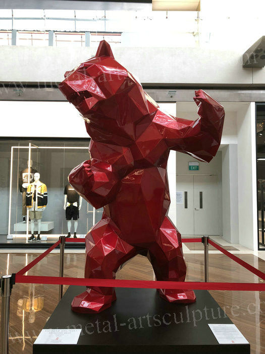 Red Color Fiberglass Bear Statue / Life Size Resin Statues For Museum Decoration