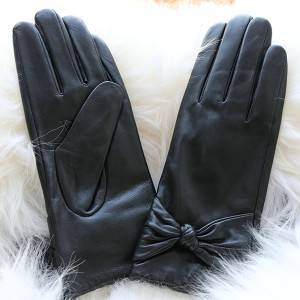 Ladies sheep leather gloves with a bow