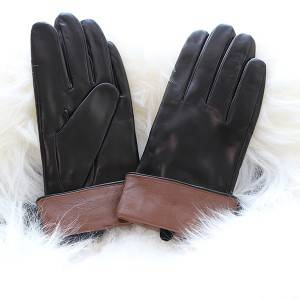 Ladies black sheep leather gloves with cognac cuff