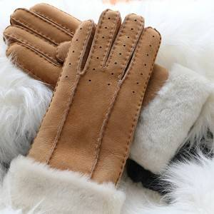 Merino sheepskin gloves with handsewn for ladies