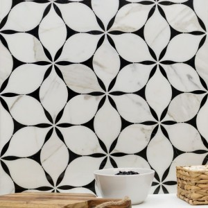 China Nice Design Flower Shape Mixed Marble Waterjet Mosaic Stone