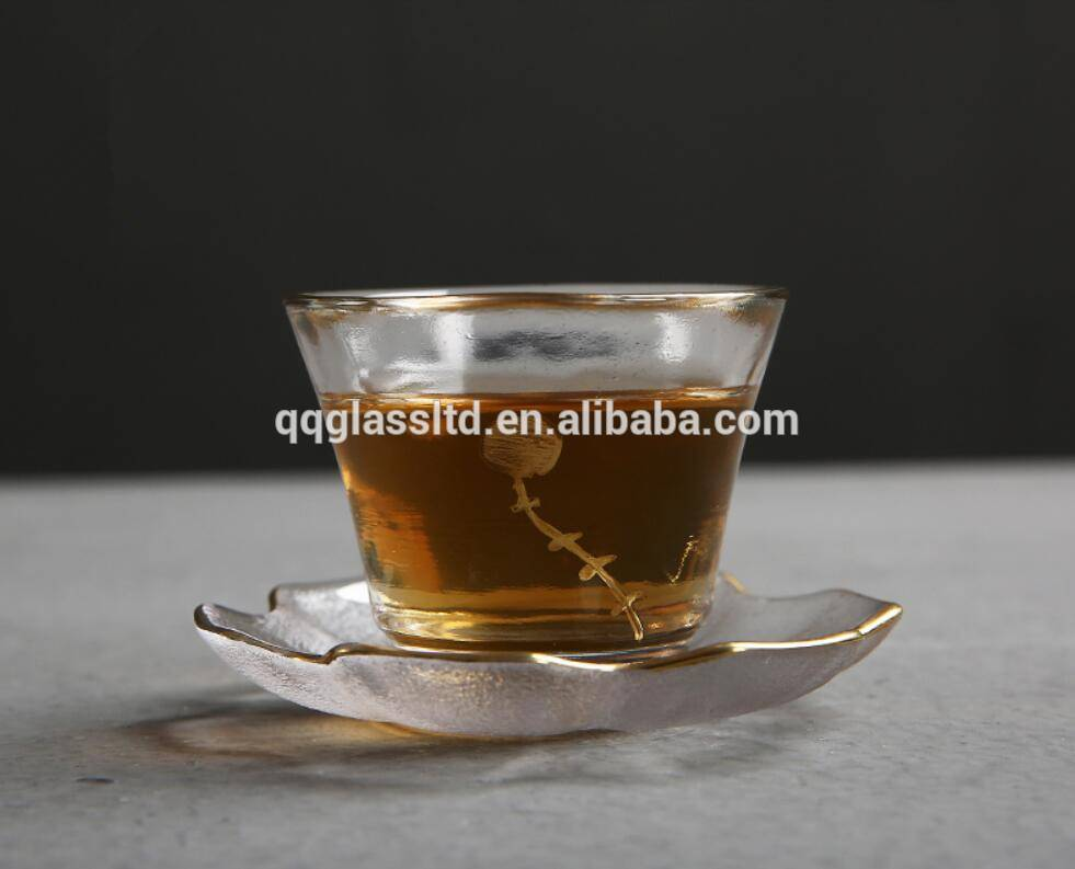 High Borosilicate Handmade Chinese Small Glass Tea Cup and Saucer With Rim Gold Painting