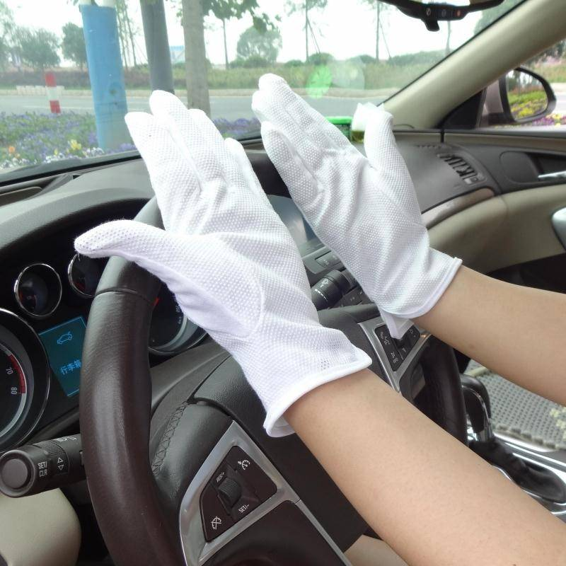 White cotton Parade gloves ceremonial gloves
