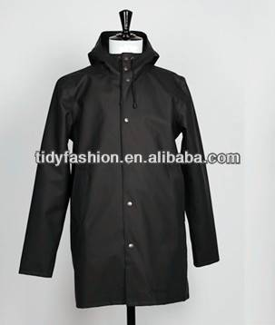 Waterproof PU Men Fashion Plastic Hooded Rain Jacket