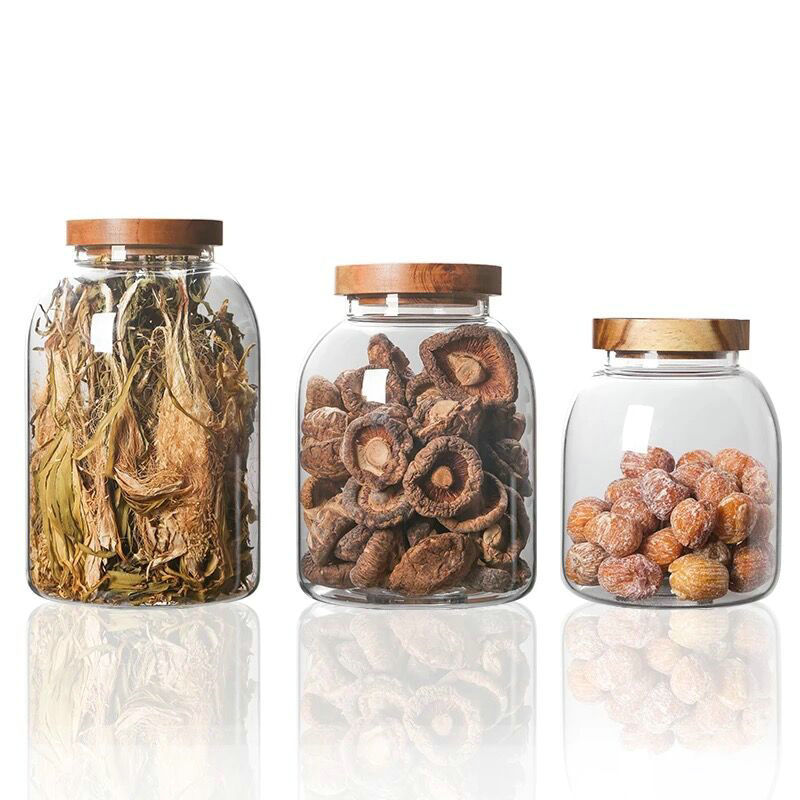 Glass storage jar with bamboo lid Featured Image