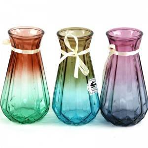 Manufacturing Chinese glass vase bottles