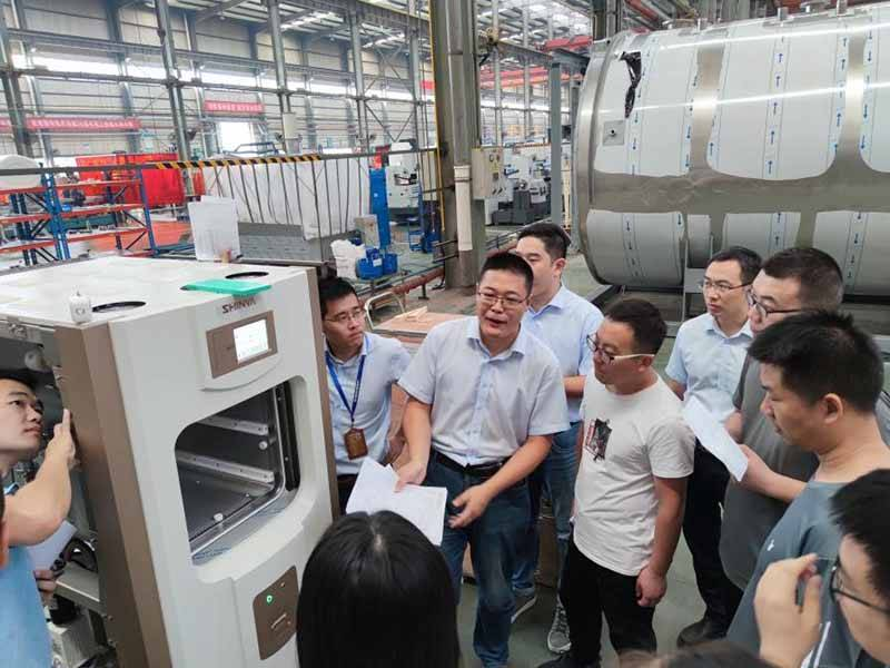 On September 5, the International Business Department held the Plasma Sterilizer Training Course.
