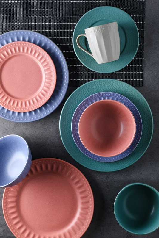 matte color glaze emboss stoneware tableware set