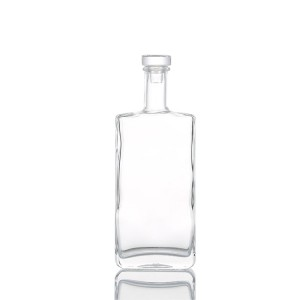 Square 500ml clear empty glass liquor bottle whisky bottle with cork