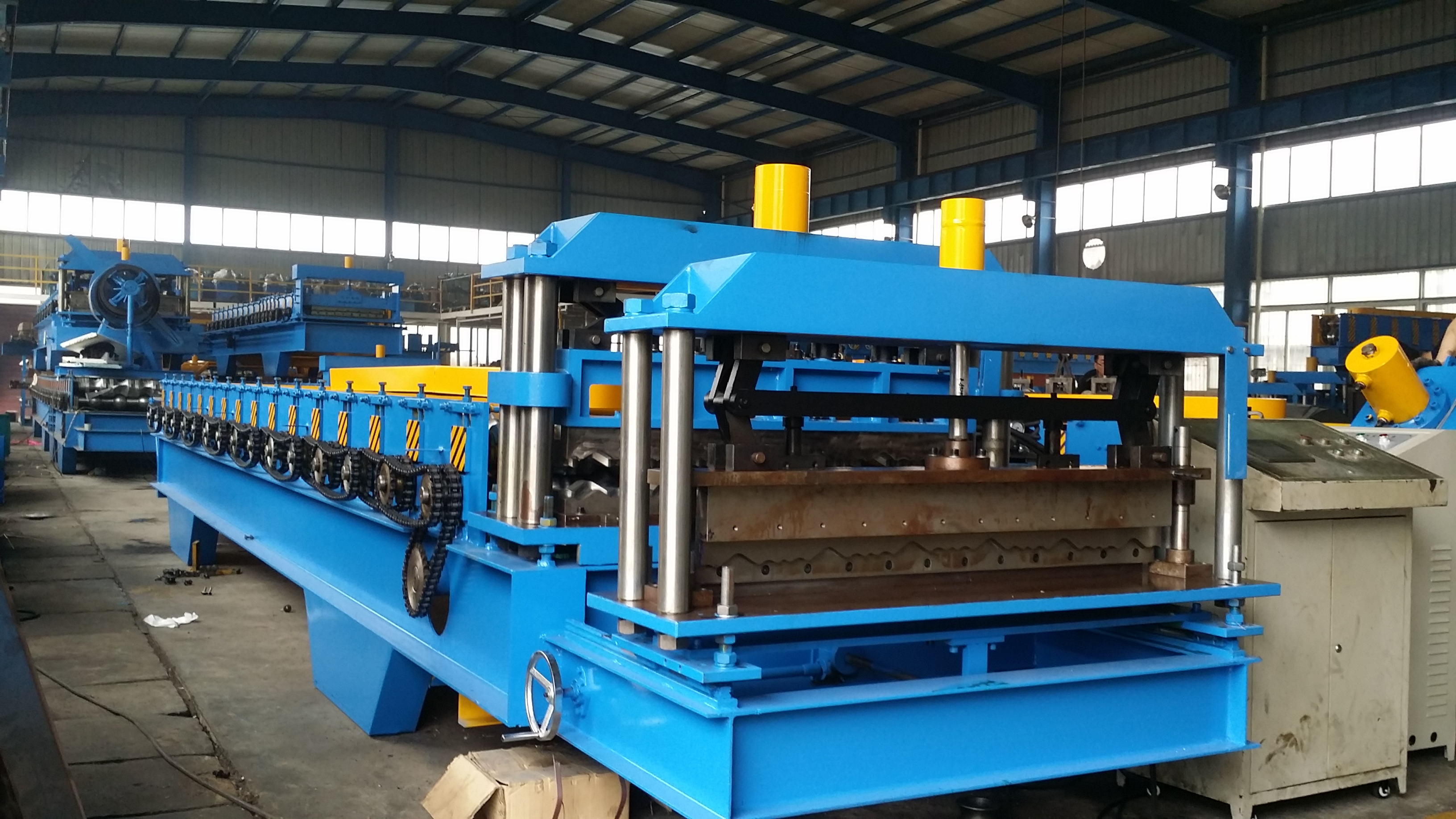 China Cheap price Double Layer Roofing Sheet Forming Machine - Metal Roof Panel Roll Forming Machine – Yingyee