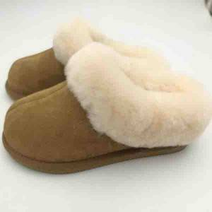 Competitive handmade classic sheepskin indoor slippers for ladies