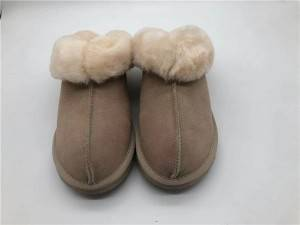 Warm, soft and comfortable natural sheepskin indoor ladies slippers