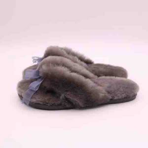 Popular products natural lady's sheepskin slippers, home warm furry lady winter wool home slippers