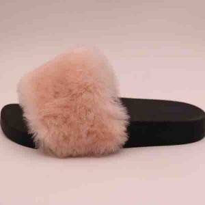 Fashionable sheepskin slipper popular with young girls