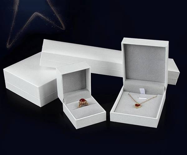 Well-designed Gift Wrap Box - Customized leather color with exquisite paper bag gift jewelry box set – Yuxingyuan detail pictures